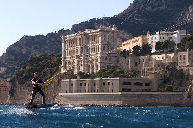 Maxime Nocher tire sur la Corse