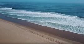 Koa Smith Skeleton Bay : 1 wave, 8 Barrels