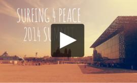 Surfer, un geste de paix