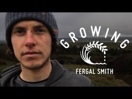 Fergal Smith. Irlandais, cultivateur et surfer