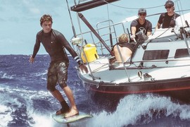 Lenny et Florence sont sur un bateau