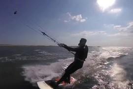 Le roi des Belges fait du kitesurf !