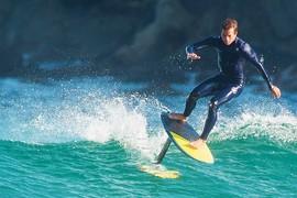 Kai Lenny en surf foil