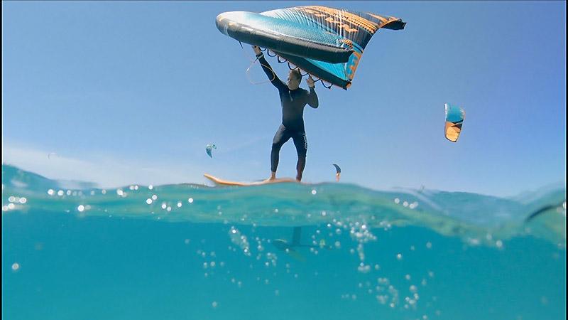 Quand Kevin Langeree teste le Wing-Surfer