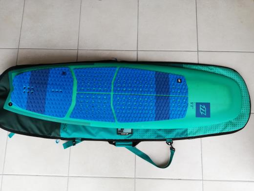 Petite annonce planche north whip csc 2017 5 2 www for Forum flysurf