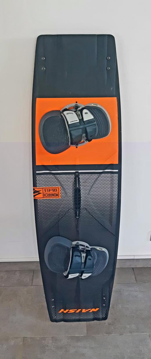 planche Naish Monarch 135/41.5 de 2020