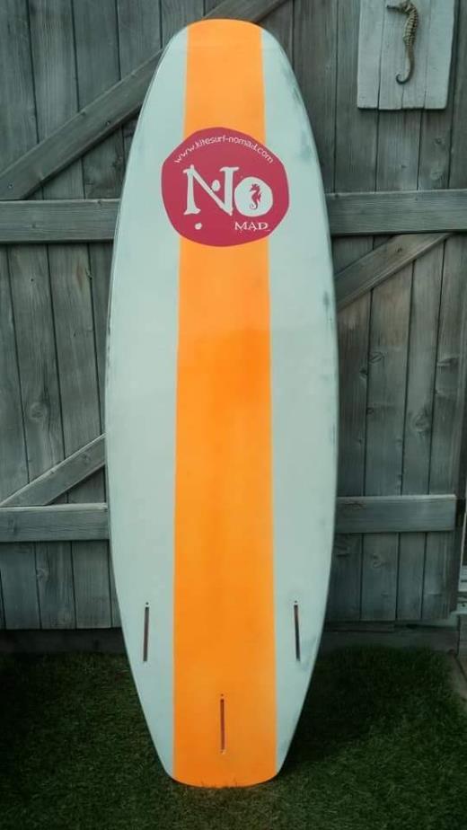Planche kite surf no mad carbone creux 5,0 tbe